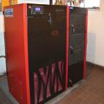 1_Kotel Attack FD automat 25 na uhlí se zásobníkem kotlíkové dotace